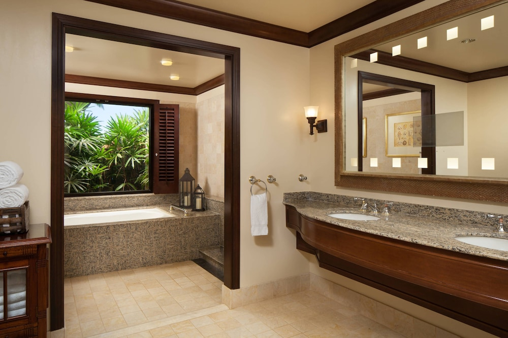 Bathroom, Sheraton Maui Resort & Spa