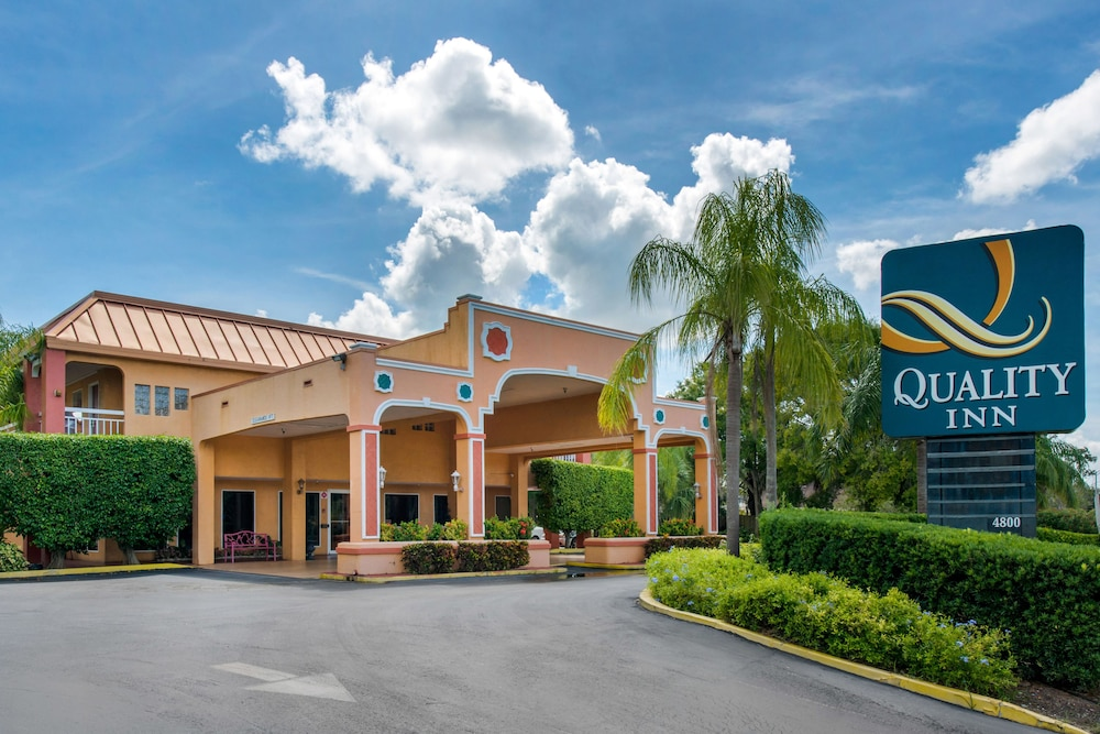 Featured Image, Quality Inn Sarasota North