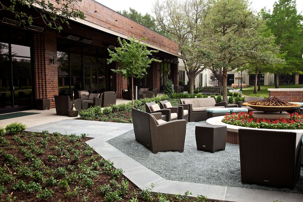 Terrace/Patio, Hilton Anatole
