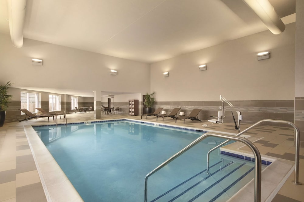 Pool, Hyatt Place Chicago/O'Hare Airport