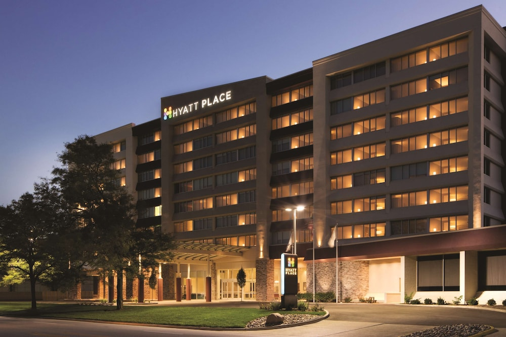 Exterior, Hyatt Place Chicago/O'Hare Airport
