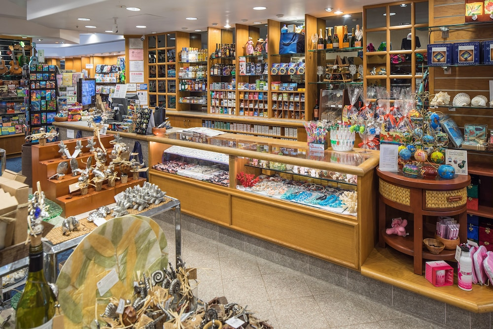 Gift Shop, Kaanapali Beach Club Resort by Diamond Resorts