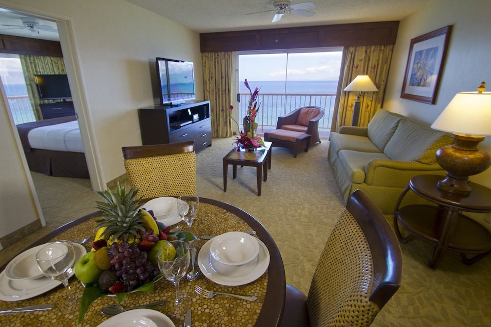 Living Area, Kaanapali Beach Club Resort by Diamond Resorts