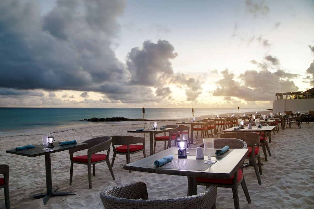 Outdoor Dining, Sea Breeze Beach House by Ocean Hotels - All Inclusive