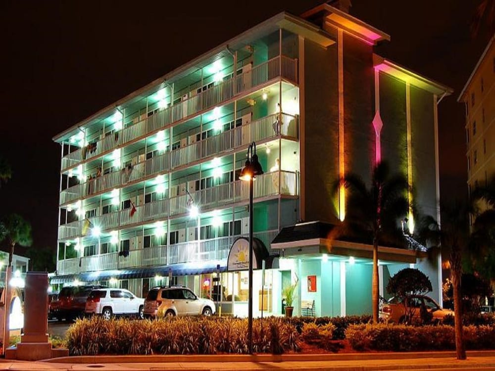 Front of Property - Evening/Night, Clearwater Beach Hotel