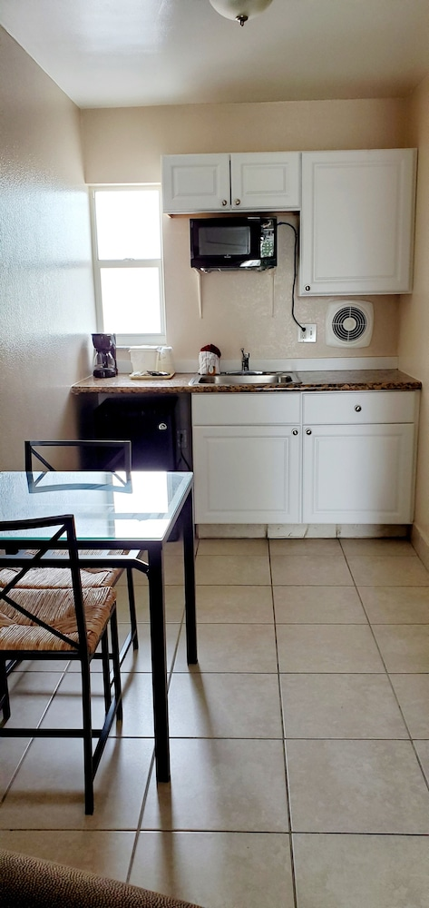 Private Kitchenette, Clearwater Beach Hotel