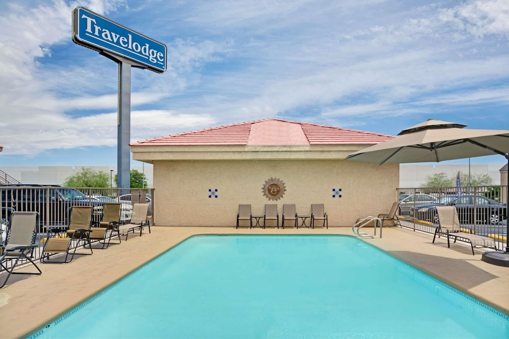 Pool, Travelodge by Wyndham Las Vegas Airport Near The Strip