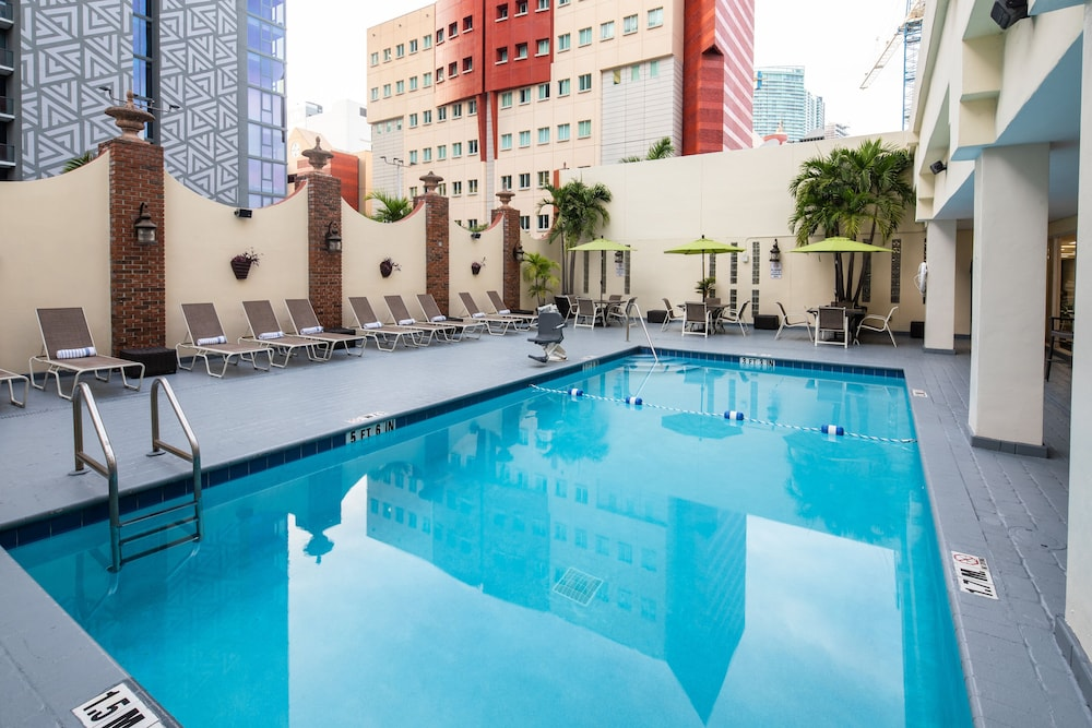Pool, Holiday Inn Port of Miami - Downtown