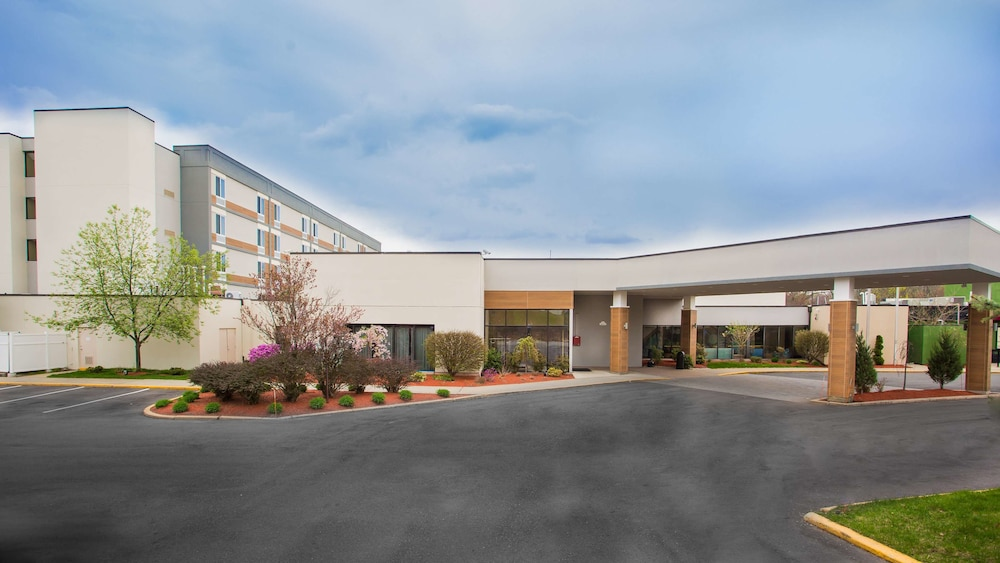 Exterior, Best Western Plus New Englander