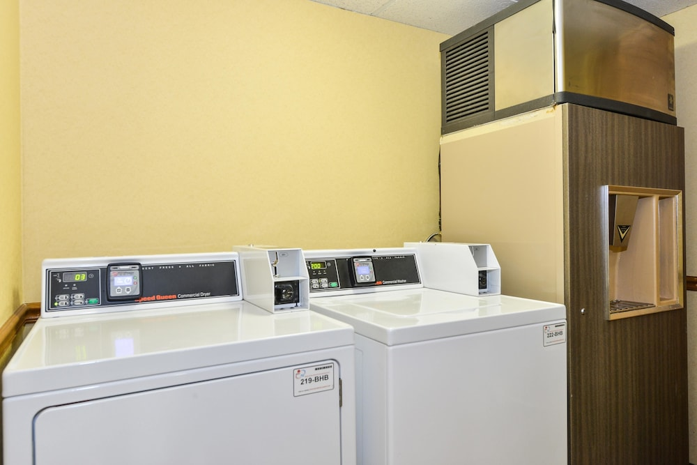 Laundry Room, Best Western Plus Richmond Airport Hotel
