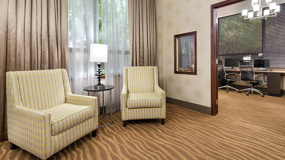 Lobby Sitting Area, Best Western Plus Richmond Airport Hotel