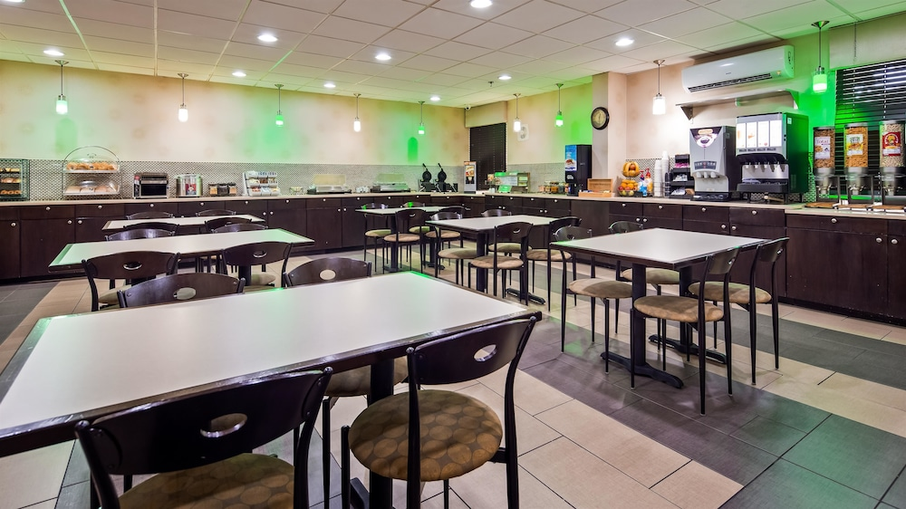 Restaurant, Best Western Plus Richmond Airport Hotel