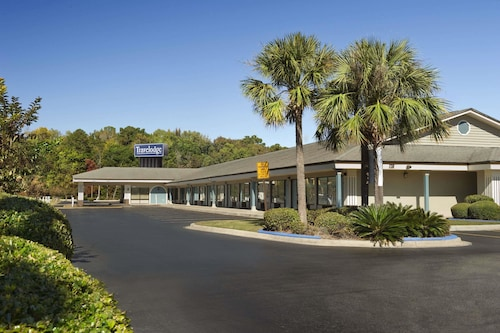 Check Expedia for Availability of Travelodge by Wyndham Hinesville