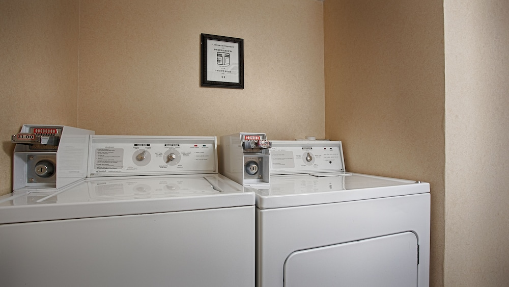 Laundry Room, The Downtown Duluth Inn