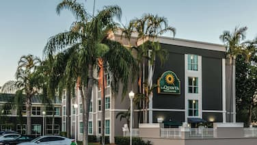 La Quinta Inn & Suites by Wyndham Plantation at SW 6th St