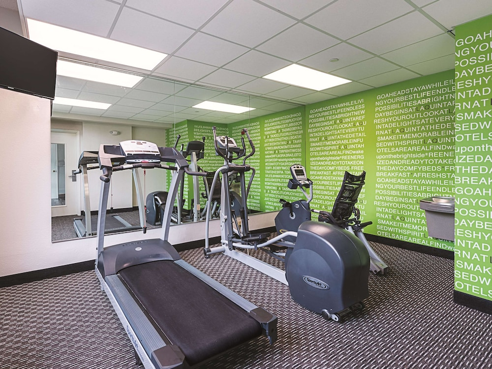 Fitness Facility, La Quinta Inn & Suites by Wyndham Plantation at SW 6th St
