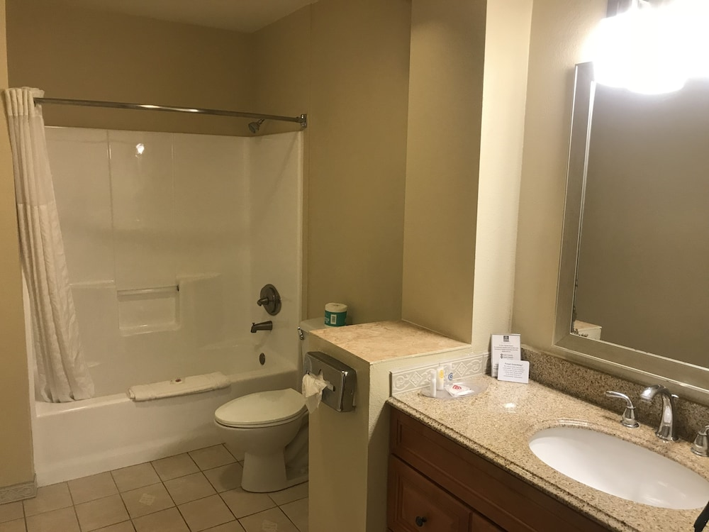 Bathroom, Comfort Suites San Clemente Beach