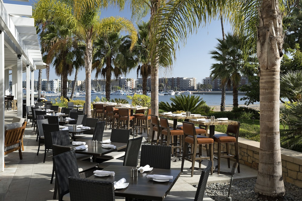 Outdoor Dining, Jamaica Bay Inn