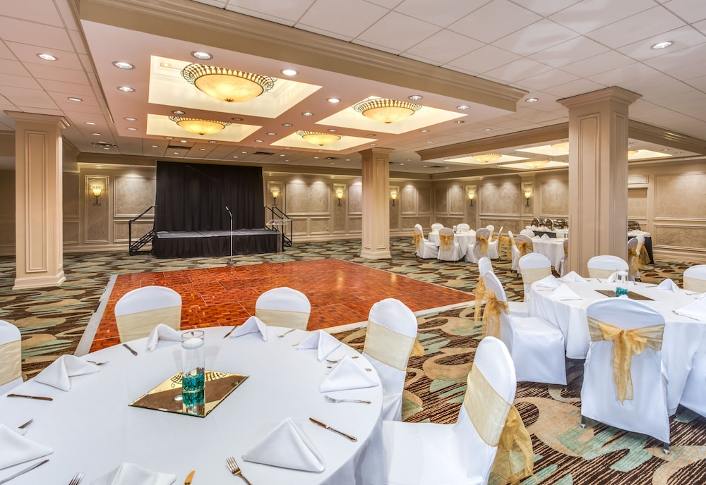 Banquet Hall, Crowne Plaza Baton Rouge, an IHG Hotel