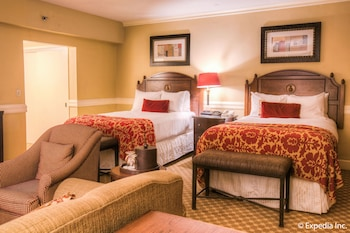 Executive Room (2 Full Size Beds) - Guestroom