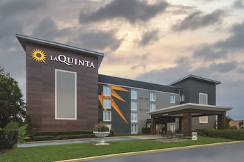 La Quinta Inn & Suites by Wyndham Atlanta Airport South