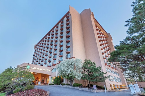 Embassy Suites Kansas City - Plaza