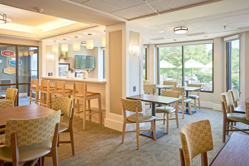 Breakfast Area, Hampton Inn Lancaster