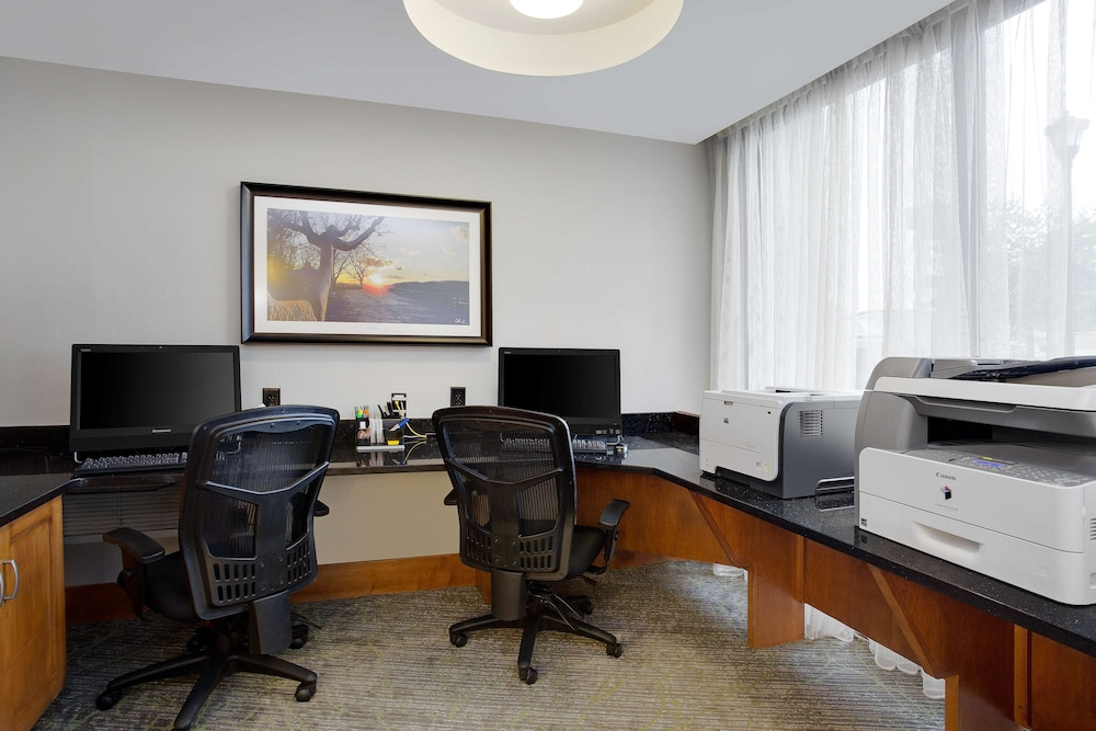 Business Center, Hampton Inn Lancaster