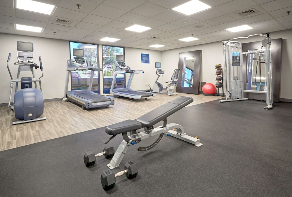 Fitness Facility, Hampton Inn Lancaster