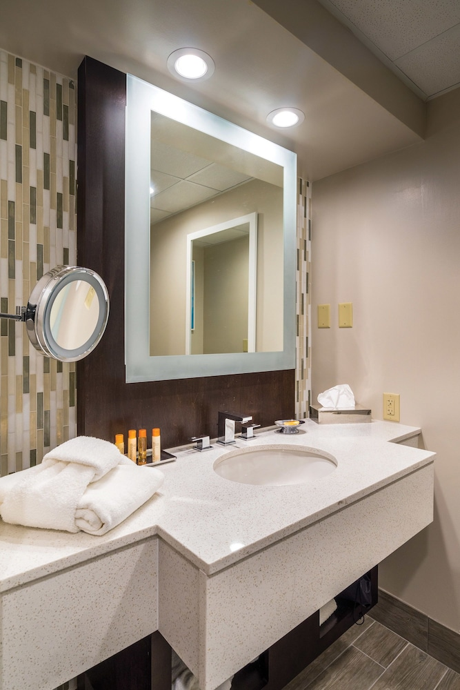 Bathroom, Grand Traverse Resort And Spa