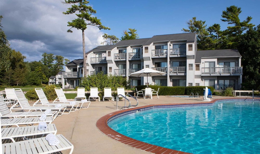 Outdoor Pool, Grand Traverse Resort And Spa