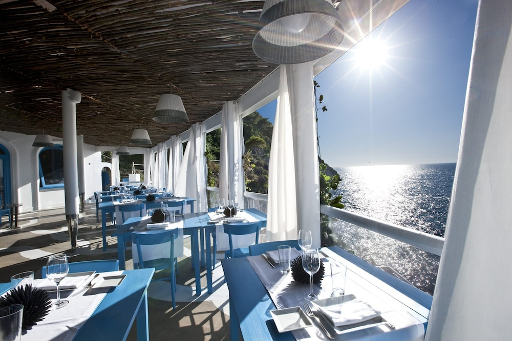 Outdoor Dining, Capri Palace Jumeirah
