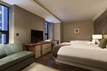 Grand Club, 2 Double Beds - Guestroom