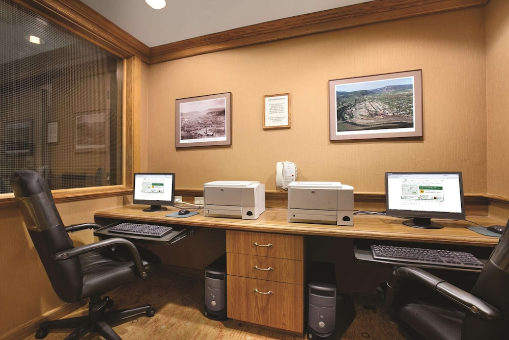Business Center, DoubleTree by Hilton Durango