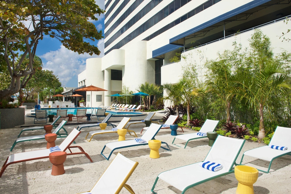 Terrace/Patio, Sheraton Miami Airport Hotel & Executive Meeting Center