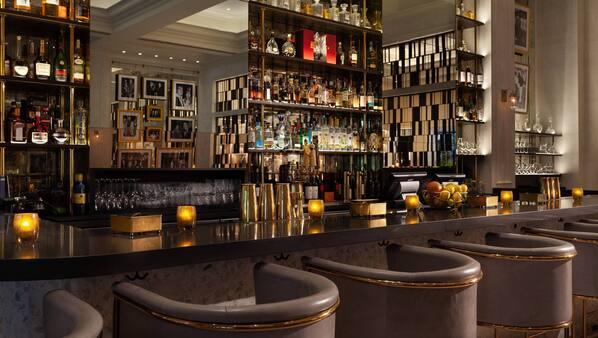 5 bars/lounges, poolside bar