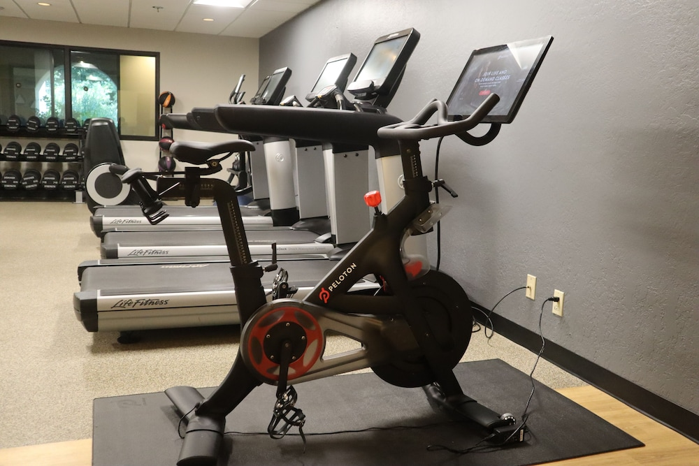 Gym, DoubleTree by Hilton Sonoma - Wine Country