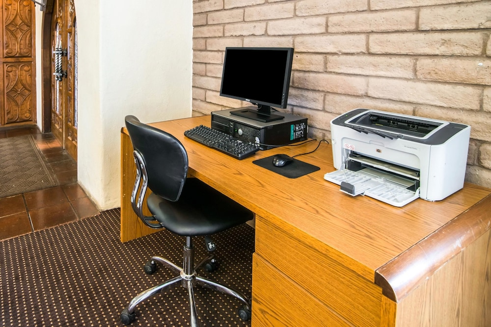 Business Center, Quality Inn Taos