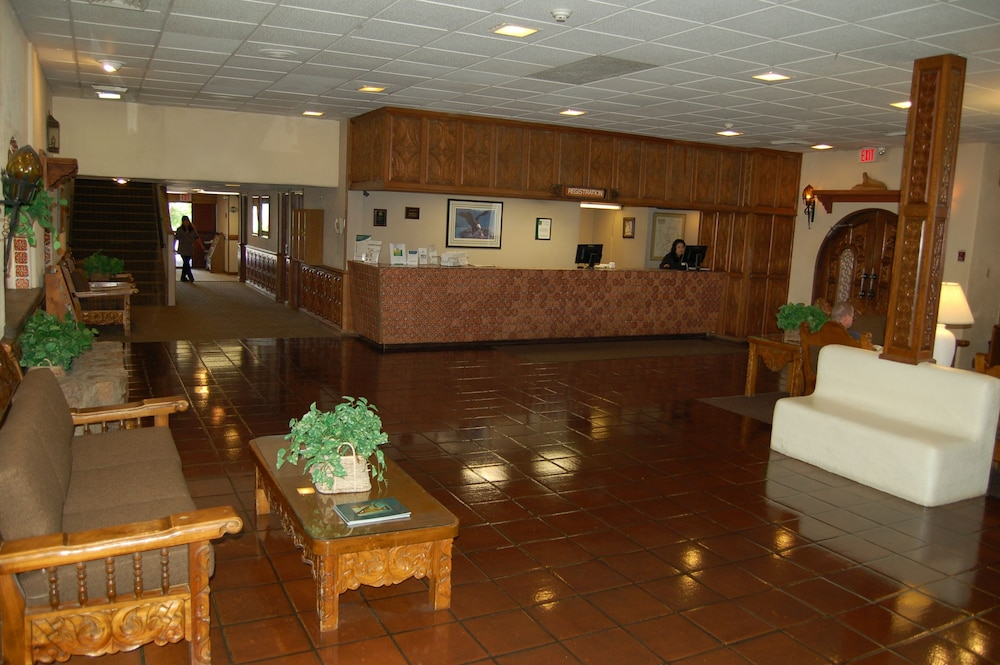 Reception, Quality Inn Taos