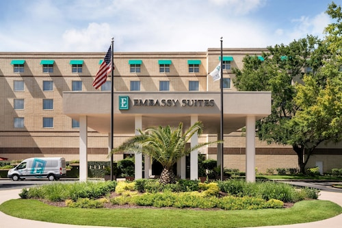 Check Expedia for Availability of Embassy Suites Brunswick