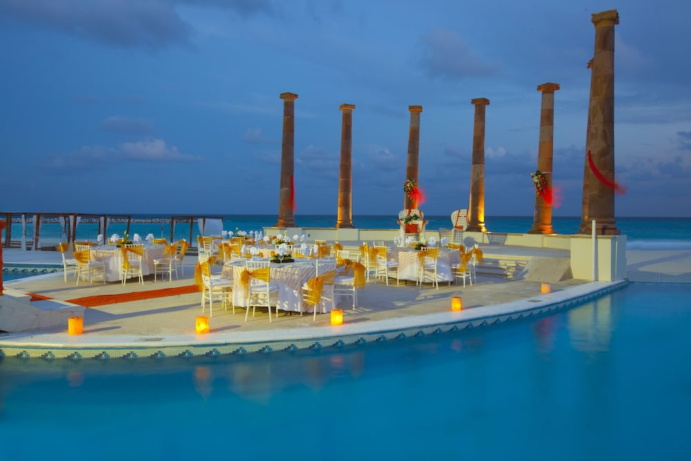 Outdoor Banquet Area, Krystal Cancun