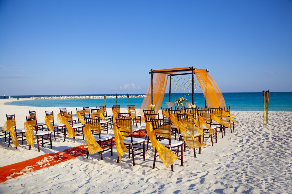 Outdoor Wedding Area, Krystal Cancun