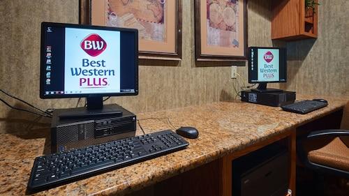 Best Western Plus Capital Inn