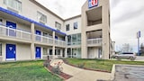 Motel 6 Columbus West - Columbus Hotels