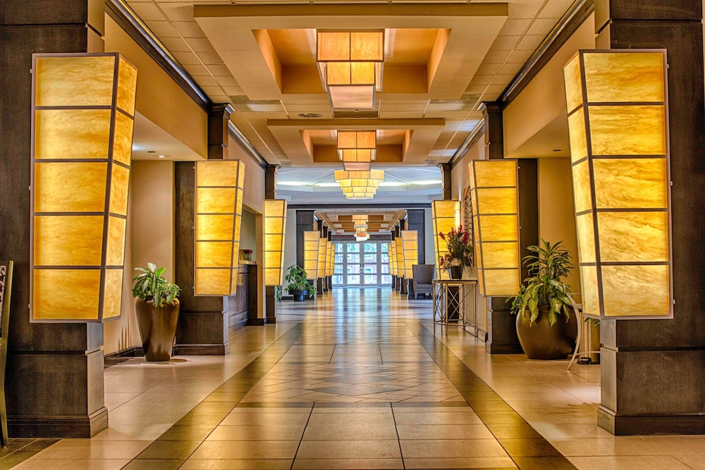 Interior Entrance, Hotel Capstone