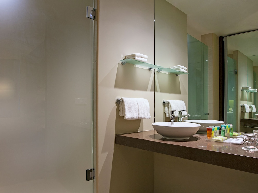 Bathroom, Four Points by Sheraton Perth