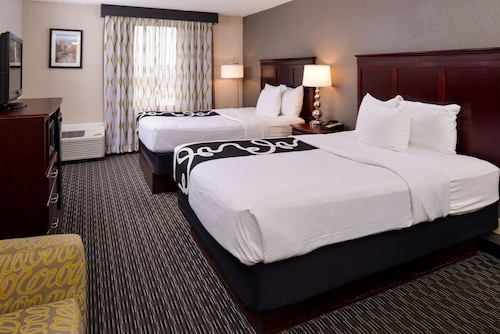 La Quinta Inn & Suites by Wyndham Indianapolis South