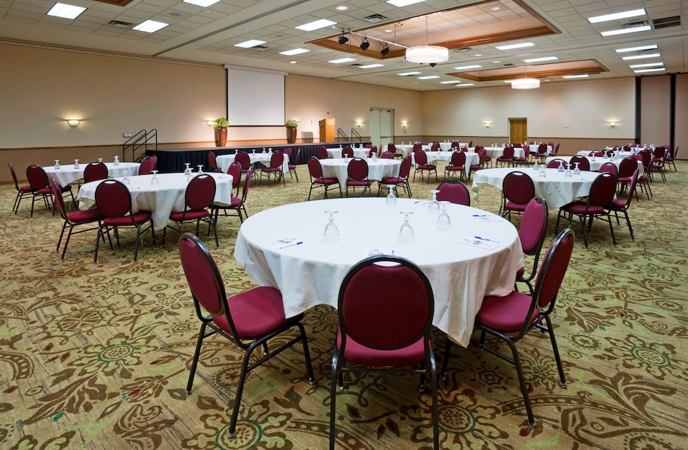 Banquet Hall, Holiday Inn Express Janesville - I-90 & US Hwy 14