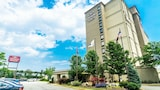Crowne Plaza Newark Airport - Elizabeth Hotels