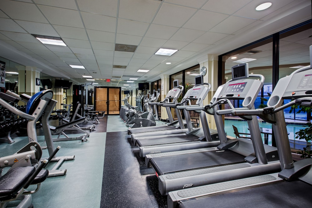 Fitness Facility, Crowne Plaza Newark Airport, an IHG Hotel